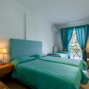 Double room with third bed with balcony and Mountain View